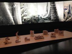Exposição Morphosis forma com binária de Thom Mayne - São Paulo Brazil