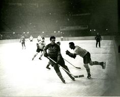 St Louis Eagles playing hockey game (Ca. 1930 to 1935) | Missouri History Museum #hockey #sports #stlsports