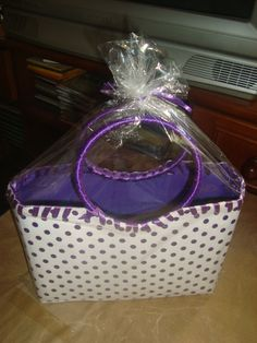 Bolsa confeccionada com caixa de leite, forrada com tecido de algodão.