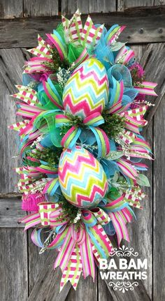 Super Ideas For Holiday Decorations Easter Beautiful Easter Projects, Easter Crafts, Easter Decor, Easter Centerpiece, Bunny Crafts, Easter Ideas, Easter Wreaths, Holiday Wreaths, Mesh Wreaths