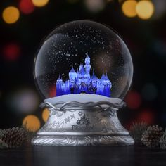The holidays begin at the Disneyland Resort! Starting November you can celebrate the season surrounded by a winter wonderland of Disney magic. Source by disneyland Disney Day, Cute Disney, Disney Magic, Disney Christmas, Merry Christmas, Xmas, Disney Parque, Happy Birthday Video, Pinturas Disney