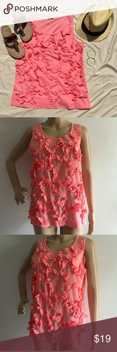 """BNWOT J. Crew ruffle pattern top 8 Tags removed, never worn! Beautiful color that's perfect for summer to show off your golden tan! Pair with white shorts and gold sandals for an effortlessly chic look! Has side zipper for easy entry. Approx 36"""" bust. 100% cotton. ✅offers❌trades/PP bundles save 20% off 2+ J. Crew Tops"""