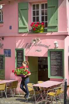 Cafe Maison Rose, Montmartre, Paris, France. © Brian Jannsen Photography