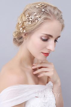 Queenly Gold Alloy Wedding Headpiece with Rhinestone and Imitation Pearl #SAH160025 #cocomelody #headpiece