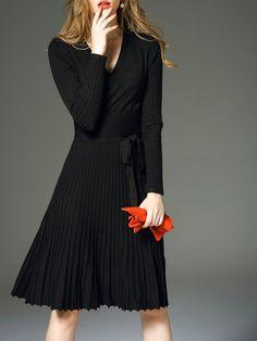 Shop Midi Dresses - Black Pleated Long Sleeve Plain Cotton Midi Dress online. Discover unique designers fashion at StyleWe.com.