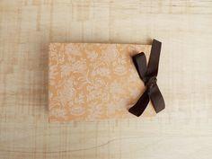 Álbum Pequeno :: Floral & Marrom #encadernação #cadernoartesanal #feitoamao #bookbinding #handmade #papelaria #foto #fotografia #albumdefotos #album