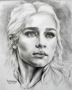Dessin Daenerys Targaryen – Game of thrones – Mère des dragons – Noir et blanc … Drawing Daenerys Targaryen – Game of thrones – Mother of dragons – Black and white – Sold with frame and under glass – Portrait Emilia Clarke – – FigurinesherosFR – Dessin Game Of Thrones, Game Of Thrones Drawings, Game Thrones, Pencil Art Drawings, Realistic Drawings, Drawing Sketches, Pencil Portrait Drawing, Drawing Portraits, Horse Drawings
