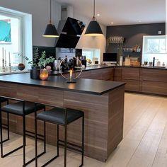 34 Modern and Classic Wooden Kitchen Design Ideas Picture No kitchen design Kitchen Room Design, Modern Kitchen Design, Home Decor Kitchen, Kitchen Interior, Condo Kitchen, Home Design, Küchen Design, Decorating Your Home, Interior Decorating