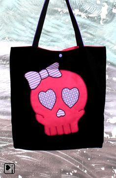 Du wirst diese Tasche lieben!!! VEGAN, handgefertigt und limitiert, verstaut sie alles was Du an einem warmen Sommertag brauchst und begleitet Dich auf langen Shoppingtrips.
