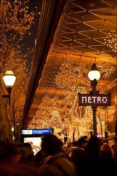 Christmas in Paris Paris France, Paris 3, Paris City, Paris Christmas Market, Christmas Mood, Christmas Lights, Christmas Decor, Merry Christmas, Xmas