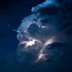 Google Image Result for http://www.sfgate.com/blogs/images/sfgate/davis/2009/08/31/Lightning.jpg