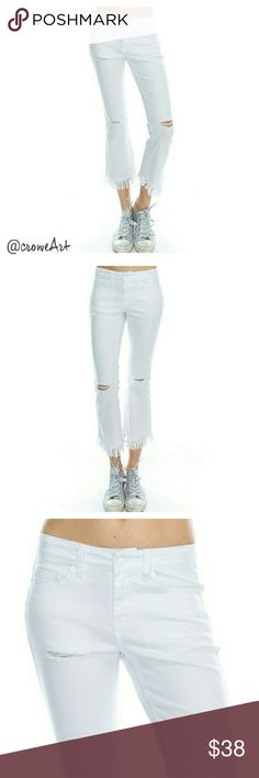 🆕 White Skinny Distressed Fringe Jeans Super cute and on trend white denim jeans, cropped skinny leg with fringed hem, distressed knees, mid-rise, 5 pocket construction, zip fly.  98% Cotton, 5% Spandex Boutique Jeans Skinny