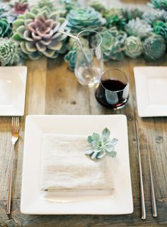 Modern LA table setting by Lisa Vorce with Flowerwild, photo by Jose Villa