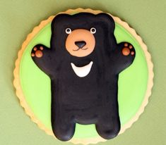 decorated-bear-cookie