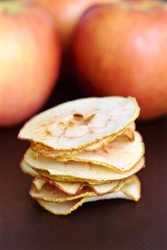 Oven Baked Apple Chips   TastingPage.com