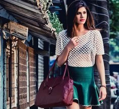 Be a stunner as you walk!  Beat the October summer heat carrying off a printed, white sheer blouse on a bottle green frilly skirt, slip on those nude sandals, and a stylish shoulder bag in the season's favorite wine colour from Baggit. Exude that diva-look aura as you strut around town with this bag available at our Exclusive Stores and online at www.baggit.com