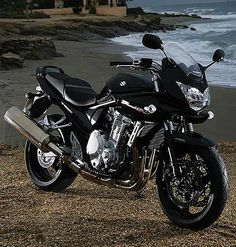 Here you can find the latest Suzuki Bandit 1250s Bike Prices in 2013 India....
