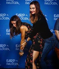 Credit to : 😍❤️ Kat Barrell, Katherine Barrell, Waverly Earp, Dominique Provost Chalkley, Waverly And Nicole, Doc Holliday, 2 Girl, Girl Crushes, Woman Crush