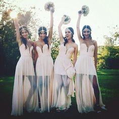 ボヘミアンスタイルの着こなしが可愛い♡ブライズメイドのファッションColloctionにて紹介している画像