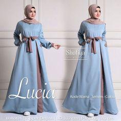 Image may contain: 2 people Hijab Fashion Summer, Abaya Fashion, Muslim Fashion, Fashion Dresses, Hijab Style Dress, Hijab Outfit, Dress Outfits, Hijab Chic, Abaya Designs