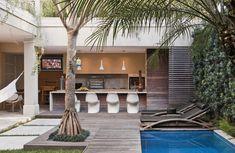 + Espaco gourmet e integracao com piscina em espaco reduzido.