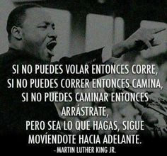 Martin Luther King speaking in Spanish. He is such a linguist show-off. Luther King Frases, Martin Luther King Quotes, Positive Quotes, Motivational Quotes, Inspirational Quotes, Positive Vibes, Favorite Quotes, Best Quotes, I Have A Dream