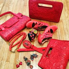 Tooled Leather Purse, Leather Tooling, Leather Purses, Red, How To Wear, Bags, Fashion, Handbags, Moda