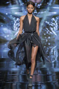 Donna Karan Missing Oscars Dresses LAX (Vogue.com UK) Malaika Firth models it