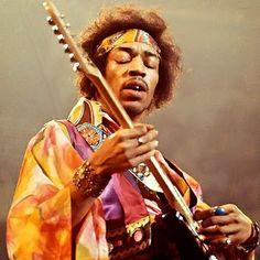 El mundo de Avekrénides.                     : Jimi Hendrix. El hombre que susurraba a su Stratoc...