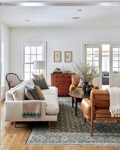 Home Living Room, Interior Design Living Room, Living Room Furniture, Living Room Designs, Living Spaces, Rustic Furniture, Cottage Living, Furniture Ideas, Tiny Living