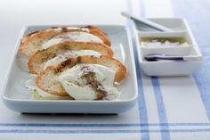 Pane, provatura e salsa d'acciughe ricetta