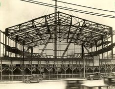 Olympia Stadium - Old photos gallery — Historic Detroit Detroit History, Detroit News, Detroit Michigan, Olympia Stadium, Basketball Photos, Detroit Free Press, Detroit Red Wings, Old Photos, Vintage Photos