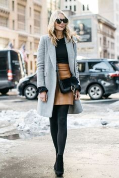 10 Winter Outfits With Boots You Need This Season 10 Winter-Outfits mit Stiefeln, die Sie in d. Winter Outfits Women, Winter Fashion Outfits, Grey Fashion, Women's Fashion, Fashion Coat, Lifestyle Fashion, Tan Skirt Outfits, Winter Skirt Outfit, Dress Skirt