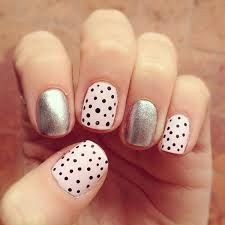 Having short nails is extremely practical. The problem is so many nail art and manicure designs that you'll find online Cross Nail Art, Cross Nails, Diy Nails, Cute Nails, Pretty Nails, Glitter Nails, Nails 2017, Pointed Nails, Polka Dot Nails