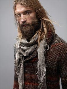 Grunge vibe - beard, jumper and scarf