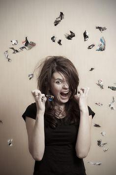 В современной науке доказано, что женщины намного чаще подвержены истерии, чем мужчины. Причиной тому становятся частые стрессы, излишние переживания, повышенная эмоциональная возбудимость. Некоторым представителям сильного пола истерички кажутся очаровательным явлением, женщиной с изюминкой. Истерические состояния бывают разных видов, и связаны они с уровнем эстрогенов в крови. Выделяют два способа проявления истерии. 1. Припадок. В это … Selfie, Women, Healthy, Fashion, Runes, Haha, Moda, Fashion Styles, Health