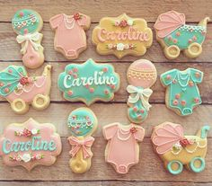 This sweet caroline baby shower cookie set stole my heart! Summer Cookies, Fancy Cookies, Iced Cookies, Cute Cookies, Cupcake Cookies, Cookie Favors, Flower Cookies, Heart Cookies, Galletas Decoradas Baby Shower