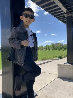 Have a cool father and son look this summer with our bestseller #Momentum collection and #Kids collection (In the picture) #KIDS Collection (Carbon Black x Charcoal) 📷:@retunemodeling Wayfarer Sunglasses, Polarized Sunglasses, Carbon Black, Father And Son, Face Shapes, Fashion Wear, Best Sellers, Military Jacket, Charcoal