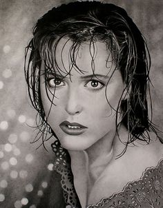 Enric & Carles Codina Sagré are twin brothers and self-taught artist based in Catalunya, Spain. They have endless patience to reproduce portraits of beautiful Models with charcoal pencil. Their pencil drawings are so realistic with detailed fabric texture, skin tones, emotions, which is absolutely incredible.