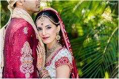 Awesome shot of the bride and groom; Randery Imagery, ShaadiShop blog  #Indianwedding, #ShaadiShop, #Indianbride, #Gujaratiwedding,#tikka