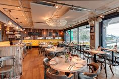 Gillespie Yunnie created a contemporary environment for restaurant Bistrot Pierre whilst still capturing traditional French culture and cuisine. Rustic Cafe, Rustic Desk, Rustic Cottage, Rustic Shelves, Rustic Wall Decor, Rustic Kitchen, Rustic Furniture, Rustic Office, Rustic Backdrop