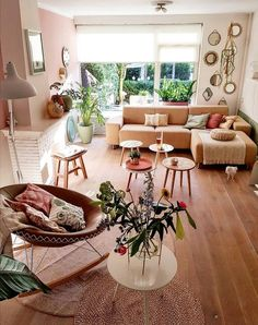 Bohemian Style Home Decors with Latest Designs – Dining Room Furniture – Dining Room Ideas Bohemian Living Rooms, Living Room Decor, Estilo Tropical, Contemporary Bedroom, Modern Room, Home And Deco, Living Room Inspiration, Design Inspiration, Home Interior Design