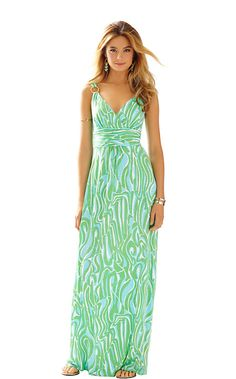 Empire waist maxi dresses are flattering on everyone. We love this travel maxi dress for the bold print and ease of wear. It's all in the details & design, and this dress is perfect in both elements.