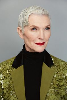 Maye Musk, Canadian, South-African older model; Maye Musk, Chic Over 50, Make Up Inspiration, Beautiful Old Woman, Older Models, Advanced Style, Vogue Australia, Aging Gracefully, Fashion Over 50