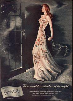 d636a2eb41484 1940s Radcliffe Roses Peignoir Set
