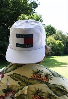 Vintage 90s Tommy Hilfiger Snapback Hat from agoravintage