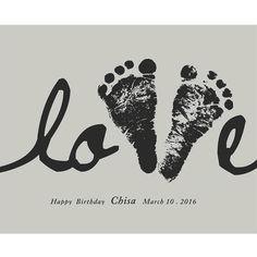 名前入り新生児足型ポスター♡ Baby Footprint Art, Footprint Crafts, Baby Crafts, Toddler Crafts, Crafts For Kids, Personalised Gifts Diy, Foto Baby, Baby Footprints, Handprint Art