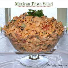 Mexican Taco Pasta Salad is made with macaroni, black beans, corn, veggies and a spicy taco flavored dressing. Recipes, Food and Cooking Mexican Pasta, Mexican Tacos, Mexican Dishes, Mexican Food Recipes, Mexican Macaroni Salad, Pasta Dishes, Food Dishes, Side Dishes, Dishes Recipes