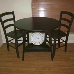 Home Interiors: Antique Round Kitchen Table Covers Also Cheap Small Round Kitchen Table from Small Round Dining Kitchen Tables For Small Kitchens