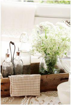 Un comedor romántico y al estilo cottage
